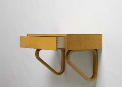 Alvar Aalto Shelf 114 with one drawer